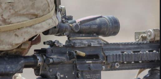 USMC shooting HK M27 with ACOG 3.5X