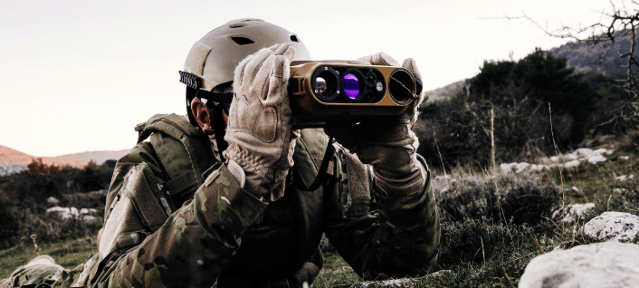 solider with military laser rangefinder safran vectronix