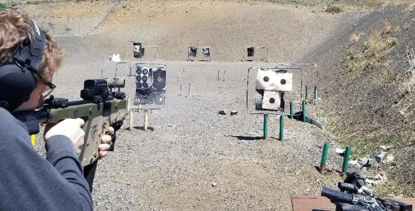 Shooting-kriss-vector-smg