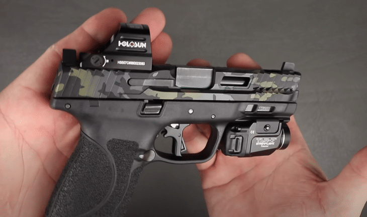 smith wesson m&p with holosun 507 table top