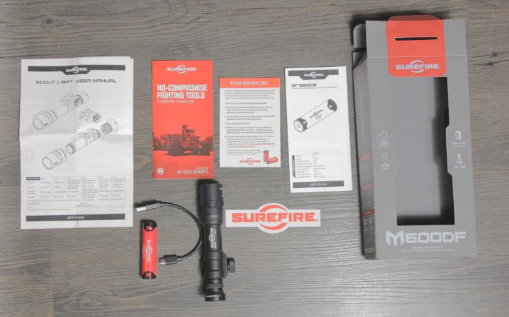 Surefire M600DF black packaging