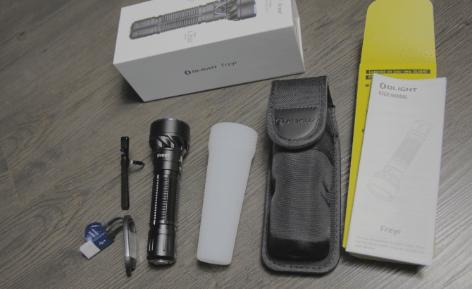 olight freyr included items in the packaging