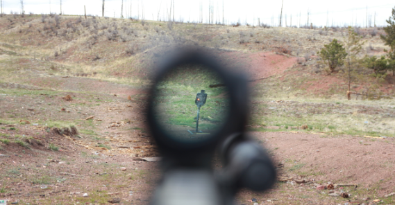 romeo5 pov red dot reticle on steel target