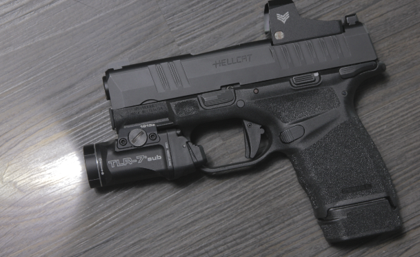 springfield hellcat with streamlight TLR 7 sub