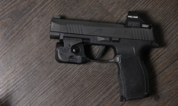 sig p365 with streamlight tlr 6 light