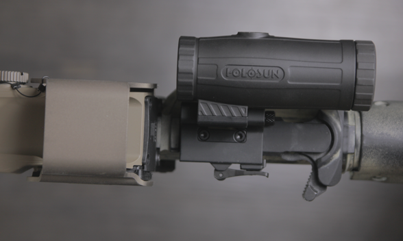 holosun hm3x magnifier with eotech exps3 tucked away