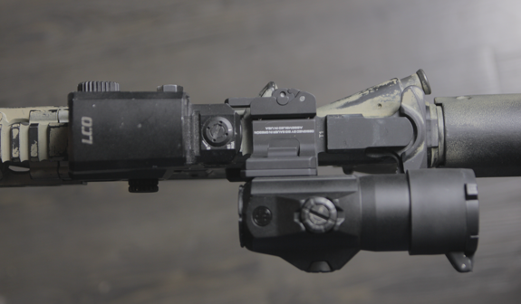 leupold lco with juliet 4 magnifier tucked away to the left
